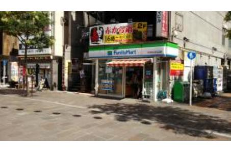 ファミリーマートチネチッタ入口店の画像